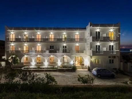 griechenland-paros-hotel nikolas-fassade