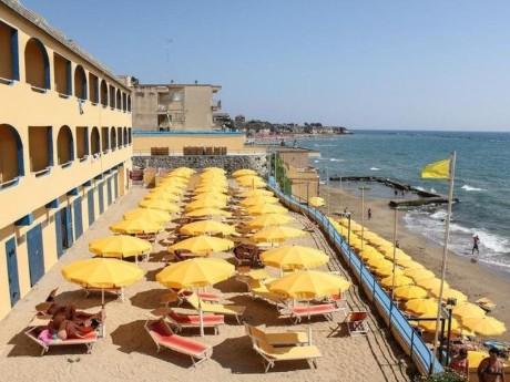 Grand Hotel dei Cesari - Strand