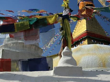 Bunte Gebetsfahnen in Kathmandu