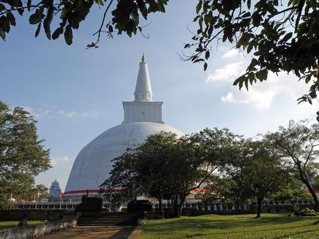 Die Milchdagoba von Anuradhapura