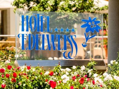 Eingang Hotel Edelweiss